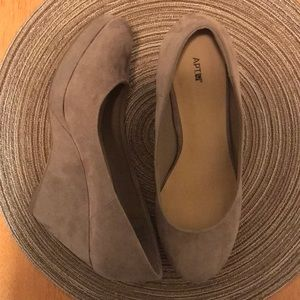 1a2dd71a4f9 Apt. 9 Taupe Vegan Suede Wedges Size 7.5